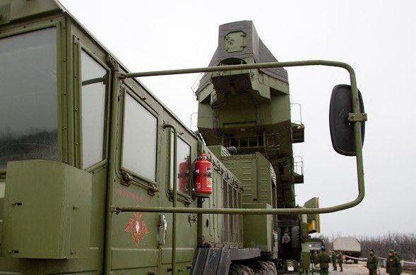揭秘俄如何裝填白楊M洲際導彈