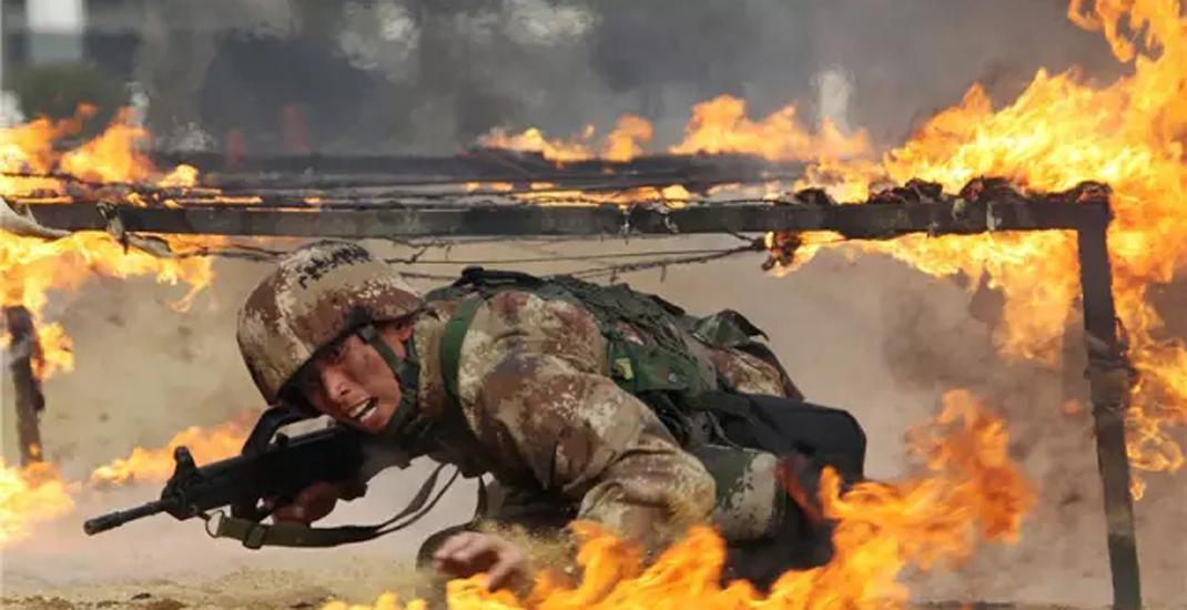 猴年上班第一天,看看東部戰區陸軍官兵在忙啥?