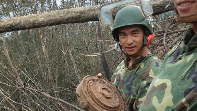 从士兵到英雄——记陆军某扫雷排爆大队英雄战士杜富国