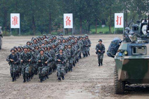 """""""有一声号令,我们时刻等待着""""--军队代表委员热议新时代练兵备战"""
