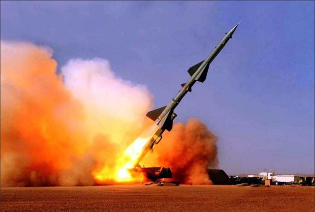 乌克兰总统表示将发展更大射程的精确制导武器