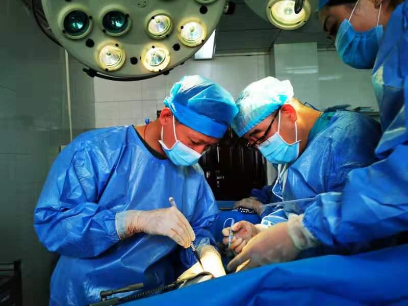 軍地專家成功開展西藏丁青縣首例肝包蟲病根治性手術