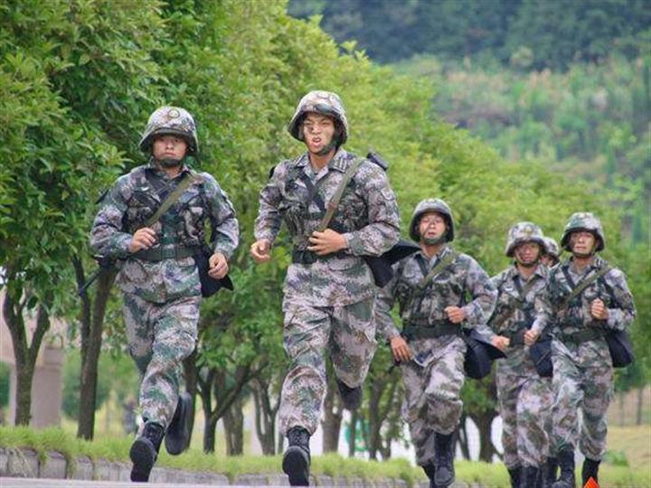 桂林聯勤保障中心某儲供基地組織群眾性練兵比武活動