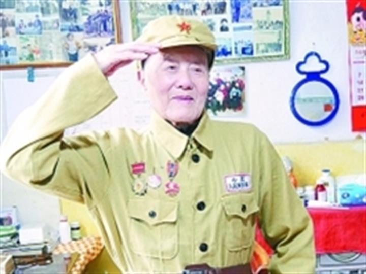 張富清同志先進事跡報告會在海軍工程大學舉行