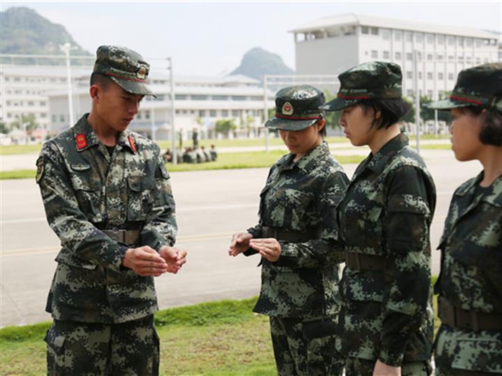 武警廣西總隊:邁好軍營第一步 武警新兵開展適應性訓練