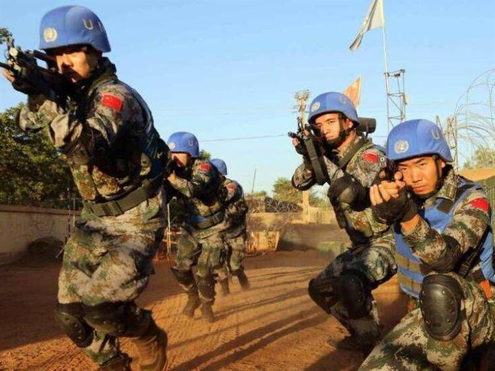 黑龍江省哈爾濱市這群老兵用維和故事點亮國防教育課堂