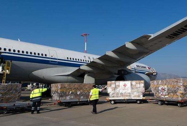 中國人民解放軍向黎巴嫩軍隊提供抗疫物資援助