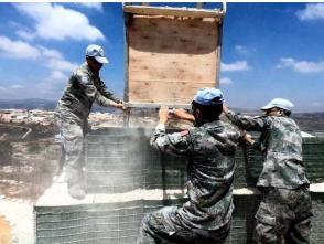 """中国赴黎维和部队完成""""蓝线""""观察哨修建任务"""