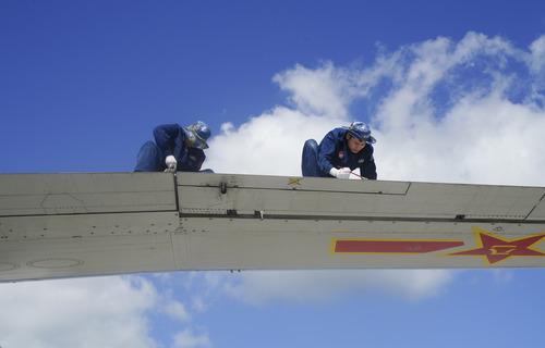 偵天探海 狩獵海空——南部戰區海軍航空兵某師加速轉型提升新質戰鬥力記事