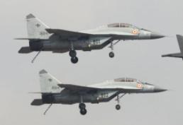 印度海軍一架米格-29K雙座教練機墜海
