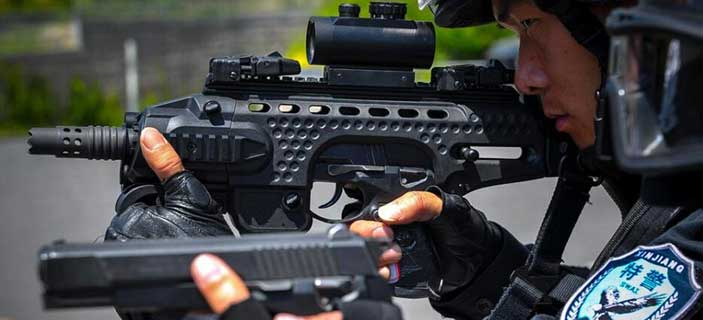 新疆特警測試多功能槍架