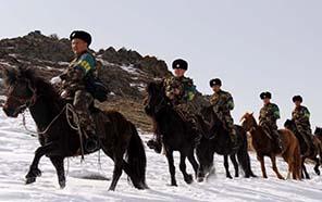 新疆阿勒泰邊防成立馬背上的110開展邊境巡邏