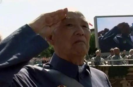 """紀念抗戰勝利70周年閱兵""""第一老兵""""逝世"""