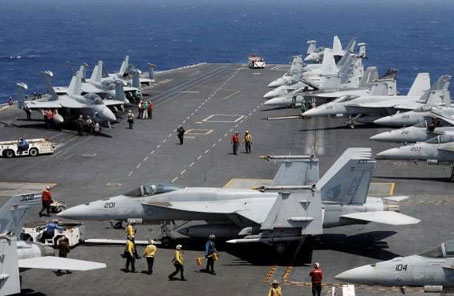 """美國""""卡爾·文森""""號航母與韓國海軍舉行聯合演練"""