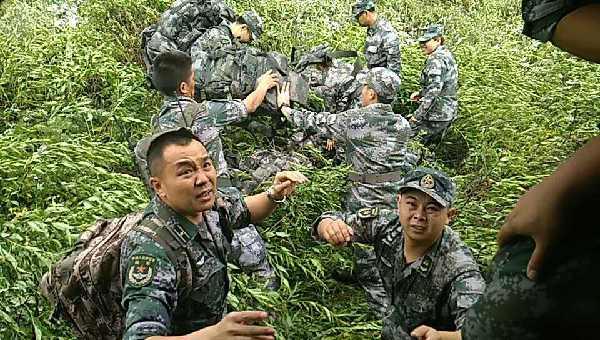 西部戰區陸軍第77集團軍部隊已做好赴茂縣災區出動準備