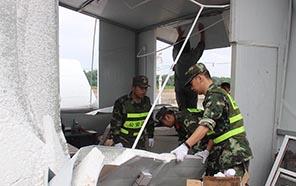江蘇東臺突遭強風侵襲 邊防官兵緊急馳援
