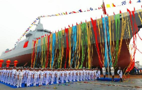 專家:中國055型驅逐艦與美伯克Ⅲ不在一個量級上