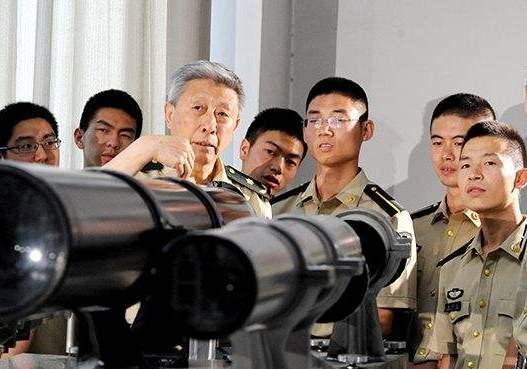 火箭軍近百名預備役技術專家活躍演訓場