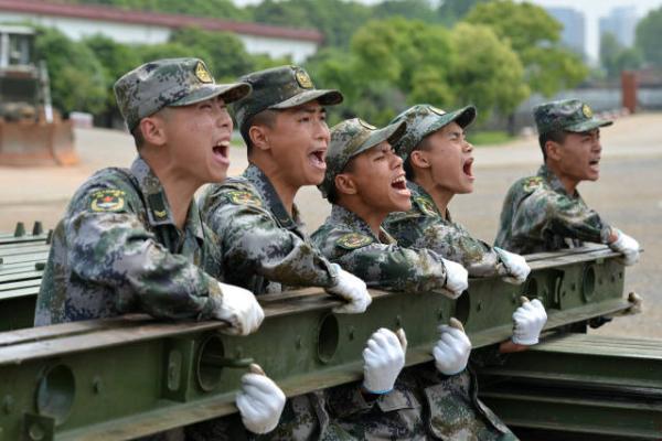 湖北省黃石軍分區對口幫扶百余戶貧困村民脫貧