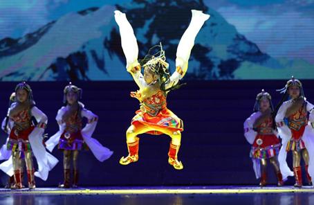 《手拉手舞蹈》视频 图片合集