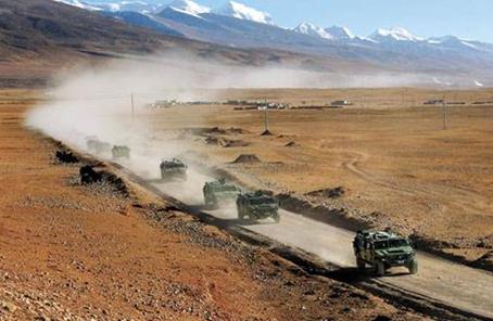 西藏軍區某炮兵旅錘煉新質戰鬥力記事
