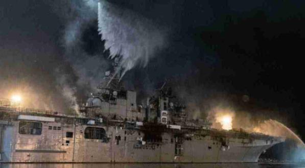 """兩棲攻擊艦被燒毀暴露損管訓練缺失 美海軍又哀嘆""""可能輸掉下一場海戰"""""""