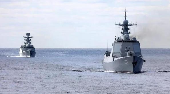 中俄海軍聯合編隊穿越航行 日本從未感到如此不安
