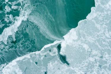 青海湖進入封凍期