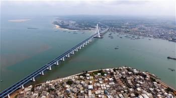 海南海文大橋建成通車