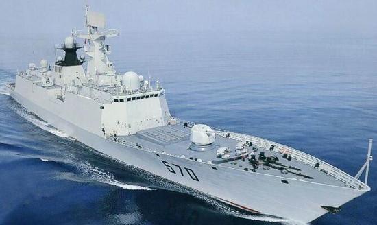 美軍艦進入黃岩島十二海裏內 我海軍依法識別查證警告驅離