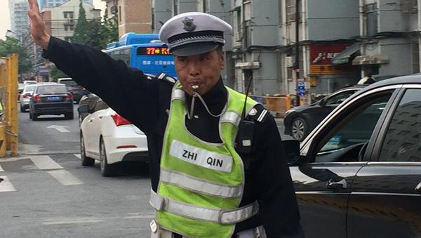 """""""中国英雄""""交通协警礼为奇"""