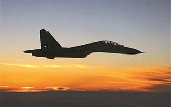 空軍航空兵某團組織跨晝夜飛行訓練