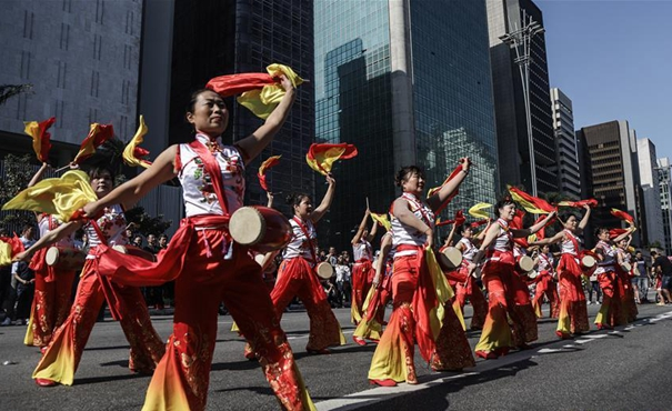 巴西聖保羅舉行中華文化快閃活動