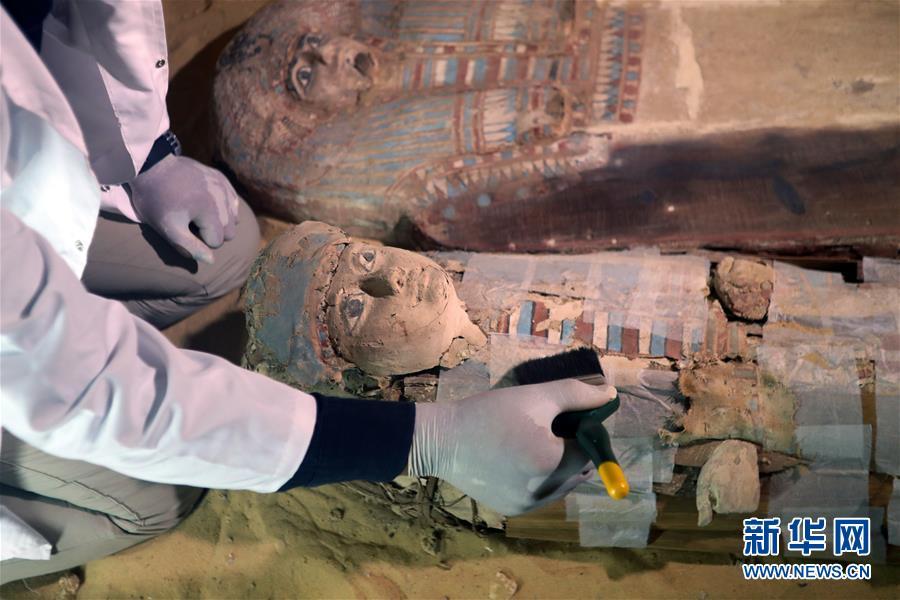 埃及发掘出一处古王国时期墓地 出土文物众多
