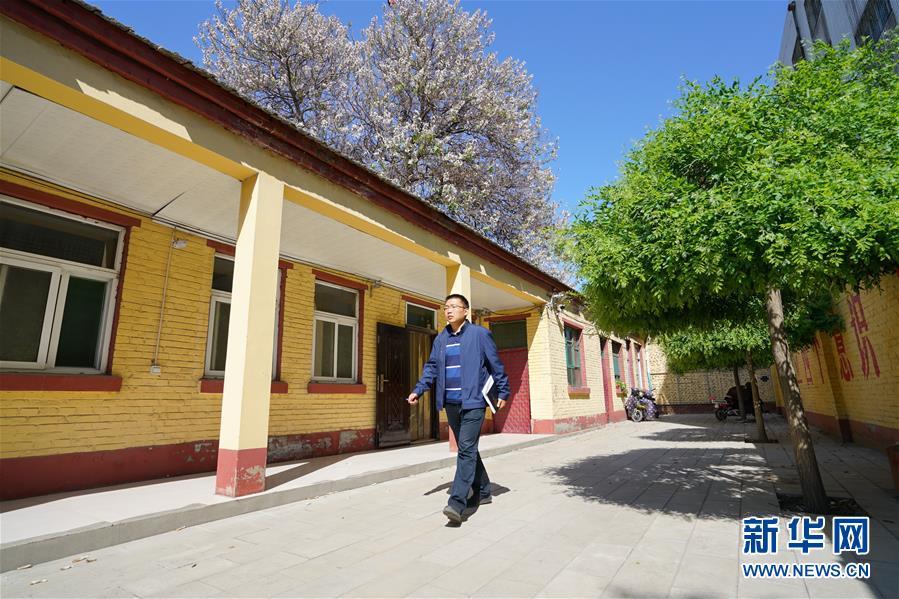 (图片故事)(2)北大博士:我在雄安当村官