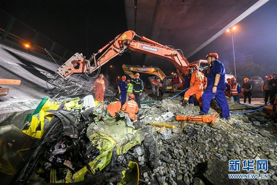 (突发事件后续)(3)无锡高架桥侧翻事故致3人死亡