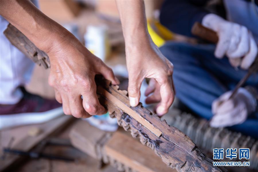 (习近平出访配合稿·图文互动)(3)通讯:尼泊尔工艺家和中国文物修复师的历史之约