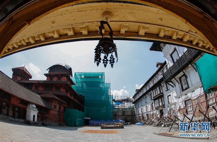 (习近平出访配合稿·图文互动)(6)通讯:尼泊尔工艺家和中国文物修复师的历史之约