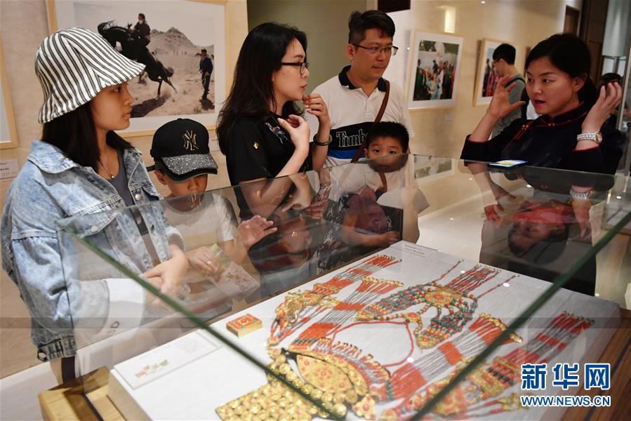 (文化)(4)内蒙古非物质文化遗产展演活动在台湾举行