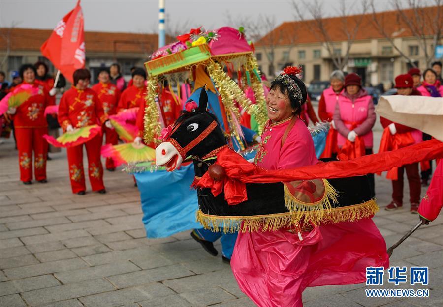 #(社會)(1)山東榮成:民俗表演迎新春