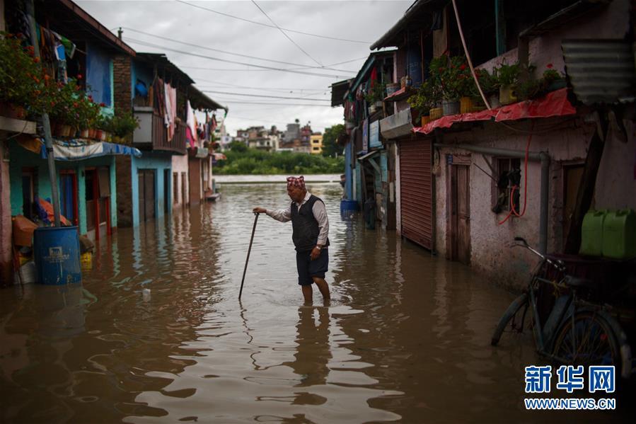 (国际)(1)强降雨致尼泊尔首都内涝