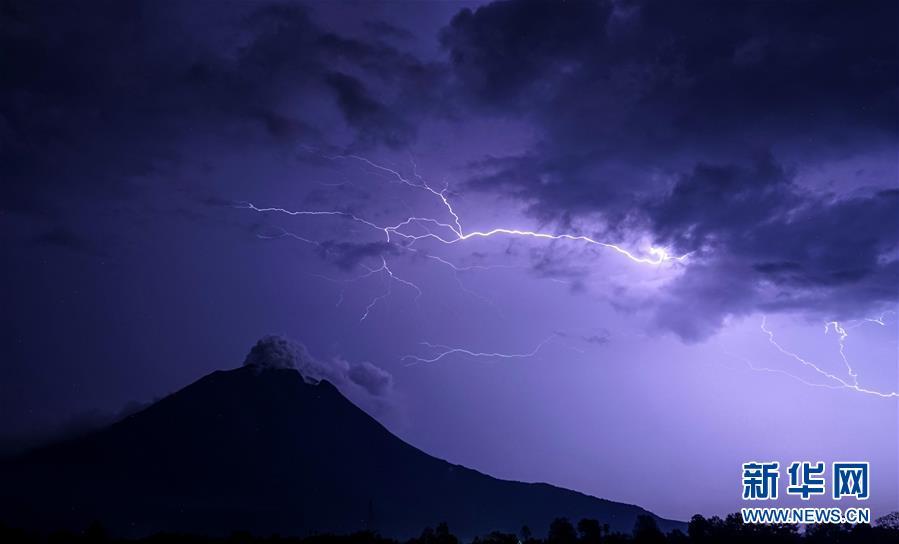 (國際)(1)火山·閃電