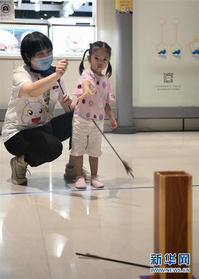 (社会)(2)成都:夜游博物馆乐趣多
