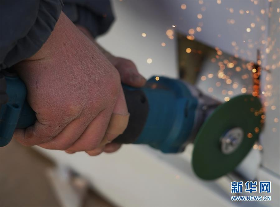(聚焦疫情防控)(4)石家庄黄庄公寓隔离场所紧张施工