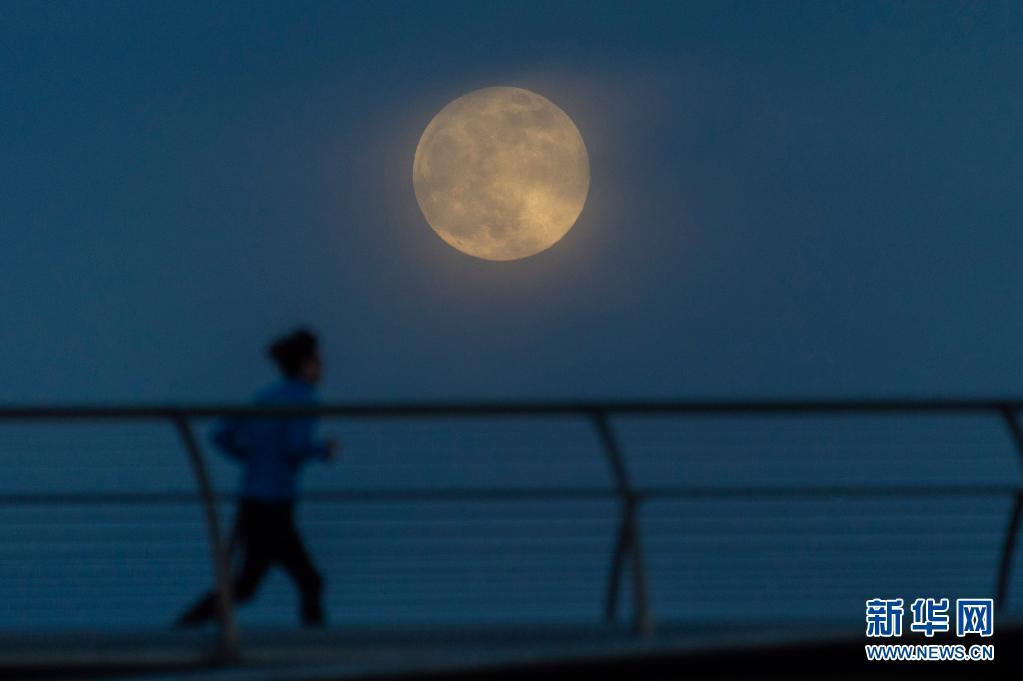"""五月将至,""""红月亮""""现身"""