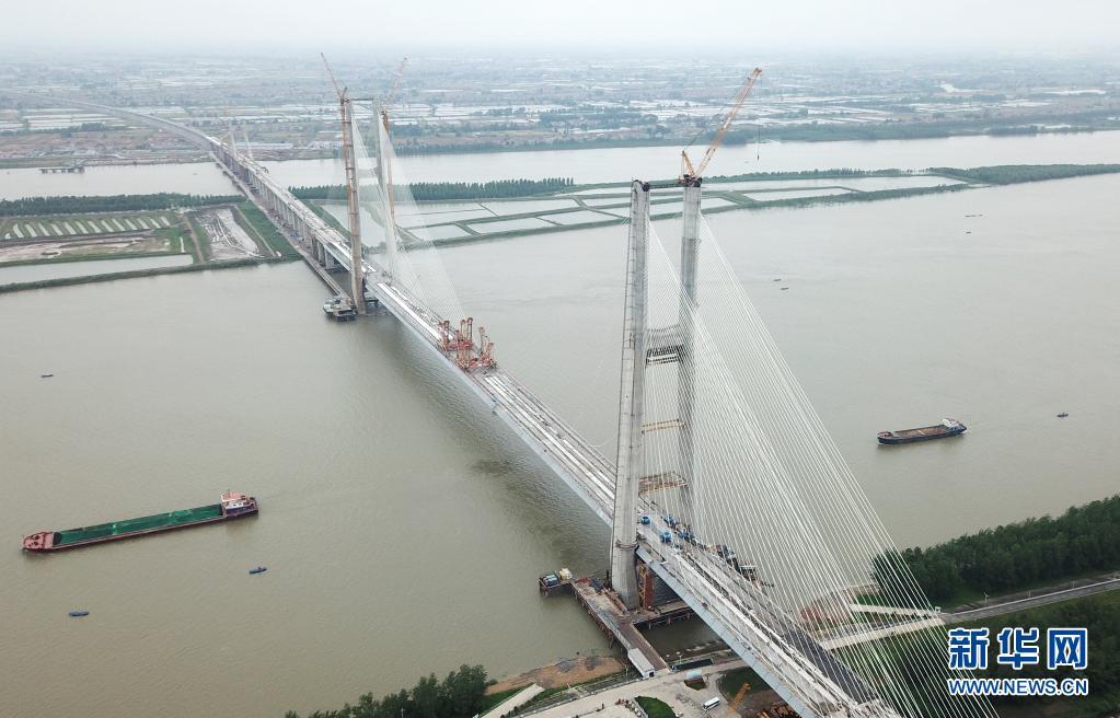 安九铁路鳊鱼洲长江大桥合龙 预留客货线时速200公里