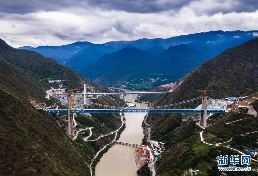 丽江至香格里拉铁路建设有序推进 铺轨工程完成13公里