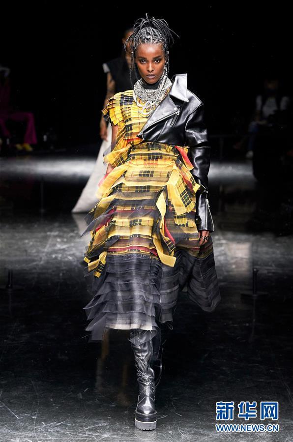 (国际)(1)巴黎时装周:让·保罗·高缇耶品牌发布秋冬高级定制新品