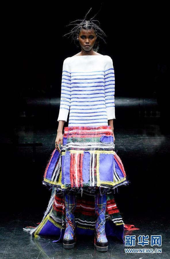 (国际)(2)巴黎时装周:让·保罗·高缇耶品牌发布秋冬高级定制新品