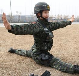 獵鷹突擊隊女兵功夫了得
